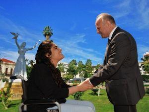 Vali Çakacak Engelliler Haftası'nı Kutladı