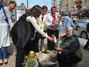 AK Parti'li Kadınlar 'Güçlü Anneler Güçlü Türkiye' İçin Yürüdü
