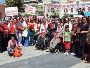 AK Partili Kadınlar Anneler Günü'nü Coşkuyla Kutladı