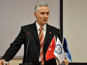 """KTO Karatay Üniversitesi'nde """"Manevi Değerler"""" Konulu Konferans"""