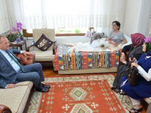 Engelliler Haftasını Ve Anneler Günü'nü Kutladılar