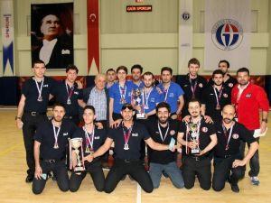 Koç Fest'in 2015 Şampiyonları GAÜN'de Kupalarını Aldı