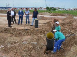 Kartepe'de Yağmursuyu Izgara Çalışmaları Sürüyor