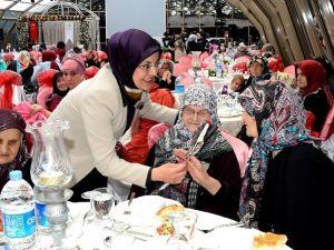 Meram'da Anneler Günü Etkinliği