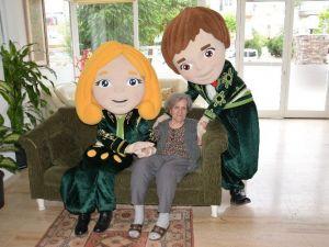 ECE Ve Efe'den Alzheimer Hastası Annelere Ziyaret