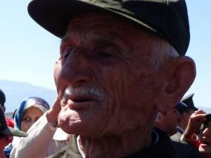 77 Yaşında Asker Oldu, Gözyaşlarına Boğuldu