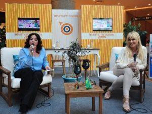 Suda Ve Aydoğan Anneler Gününde Ziyaretçilerle Buluştu