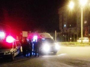 Otomobil Refüje Çıktı: 4 Yaralı