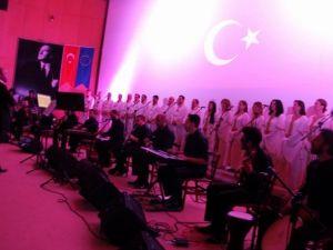 Medeniyetler Korosu Sivas'ta Konser Verdi