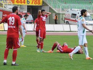 Ligden Düşen Turgutluspor'da Futbolculara Ceza Yağdı