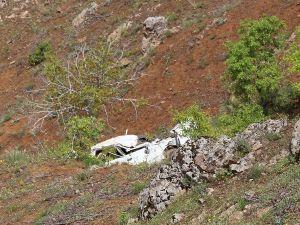 Elazığ'da Otomobil Uçuruma Yuvarlandı: 1 Ölü, 6 Yaralı