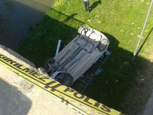 Köprüden Uçan Otomobilden Sağ Çıktılar