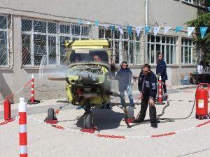 Eskişehir Sabiha Gökçen Mesleki Ve Teknik Anadolu Lisesi'nde Mezuniyet Coşkusu