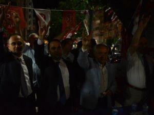 Merkez Efendi MHP'yi Bağrına Bastı