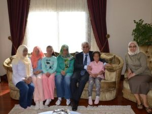 Sevgi Evlerinde Kalan Çocuklar Vali Orhan Alimoğlu'nu Ziyaret Etti