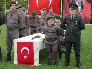 Temsili Askerlik Duygulandırdı
