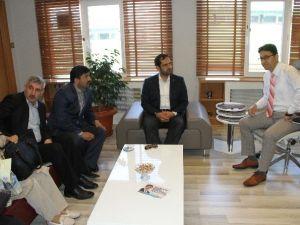 Ak Parti Adayı Çonkar, Maltepe'de Esnafı Ziyaret Etti