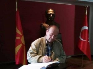 Başkan Özakcan'dan Atatürk'ün Eğitim Gördüğü Okula Ziyaret
