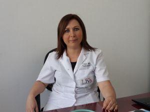 Liva Hastanesi Başhemşiresi Funda Ak, Hemşireler Günü Kutladı