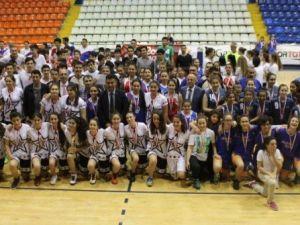 Basketbol Şampiyonlarını Seçti