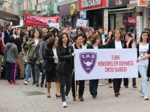 Ordu'da Hemşireler Yürüdü
