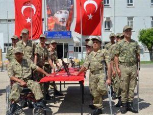 Engelli Vatandaşlar Askerlik Yemini Etti