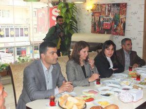 HDP'liler Engellilerle Kahvaltıda Buluştu