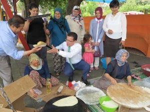 AK Parti Adayı Uslu, Miniklerin Programına Katıldı