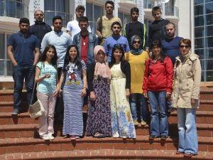 Yabancı Öğrencilerden Uygulama Oteline Ziyaret