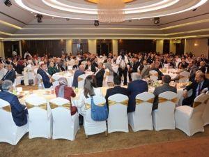 AK Parti Konya Ailesi İstişare Toplantısında Bir Araya Geldi