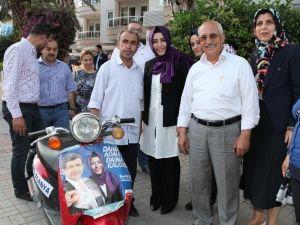 AK Partili Aday Sena Nur Çelik Alanya Esnafını Ziyaret Etti