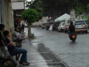 Didim Yağmura Hazırlıksız Yakalandı