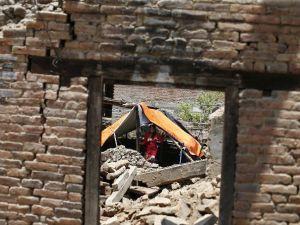 Nepal Depreminde Ölü Sayısı 42 Oldu