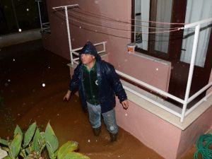 Muski Ve İtfaiye'den Yağmura Ortak Müdahale