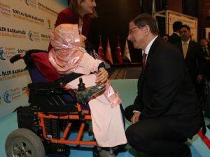 Başbakan Davutoğlu, Engelsiz Türkiye Platformu Sergi Açılışına Katıldı