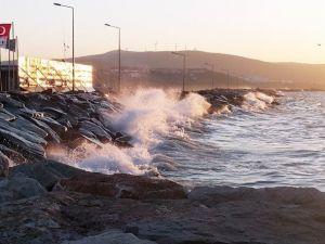 Fırtına, Deniz Ve Hava Ulaşımını Etkiliyor