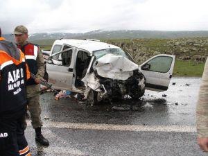 Kars-ardahan Karayolunda Feci Kaza: 6 Ölü, 17 Yaralı