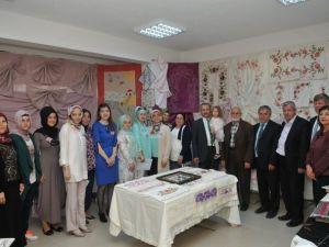 İzmek'te İlk Yıl Sonu Sergisi Akmeşe 'De Açıldı