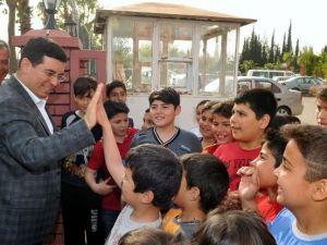 Başkan Tütüncü'den Çocuklara Halı Saha Ve Bilgi Evi Müjdesi