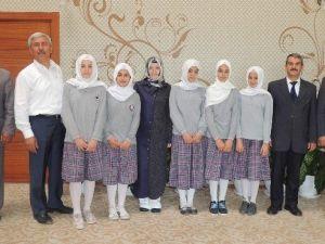 Başkan Şahin, Başarılı Öğrencileri Kutladı