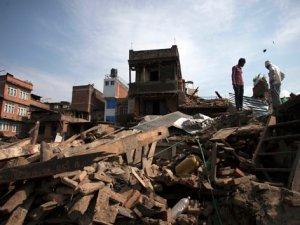 Nepal'de yeni depreminin bilançosu artıyor