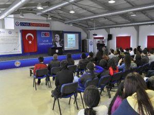 İzmir Üniversitesi'nden Proje