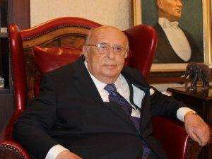 9. Cumhurbaşkanı Süleyman Demirel hastaneye kaldırıldı