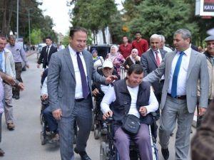 Engelliler Farkındalık İçin Yürüdü