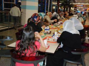Ninova'da Yemekli Anneler Günü Etkinliği