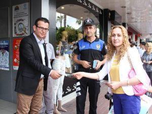 Alanya'da Engelsiz Trafik İçin Uyarıcı Afişler Dağıtıldı