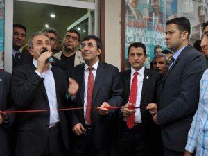 """""""AK Parti Hem Özgürlükleri Hem De Hizmetleri Arttırdı"""""""