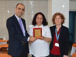 Edremit'te Hemşireler Plaket İle Onurlandırıldı