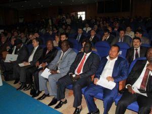 """""""Afrika'da Yatırım Olanakları Ve Eğitim İlişkileri"""" Forumu"""