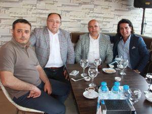 Sanatçı Murat Başaran'dan Milletvekili Adayı Namal'a Destek